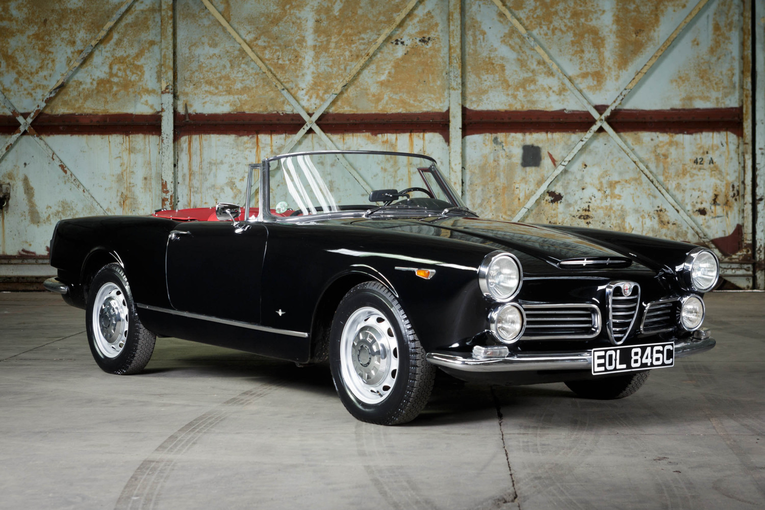 1964 alfa romeo 2600 spider pendine historic cars. Black Bedroom Furniture Sets. Home Design Ideas